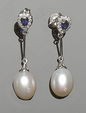 A PAIR OF GOLD, SAPPHIRE, PEARL AND DIAMOND DROP EARIINGS