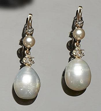 A PAIR OF VINTAGE GOLD, PEARL AND DIAMOND DROP EARRINGS