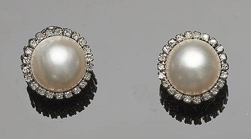A PAIR OF GOLD, PEARL AND DIAMOND EARRINGS
