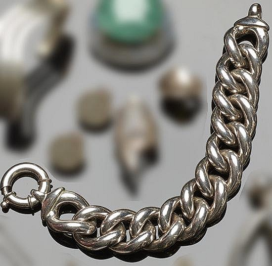 A STERLING SILVER BRACELET WITH CHAIN