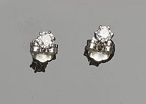 A PAIR OF GOLD AND DIAMOND EARRINGS
