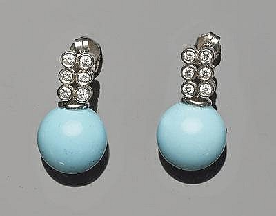 A PAIR OF GOLD, TURQUOISE AND DIAMOND EARRINGS