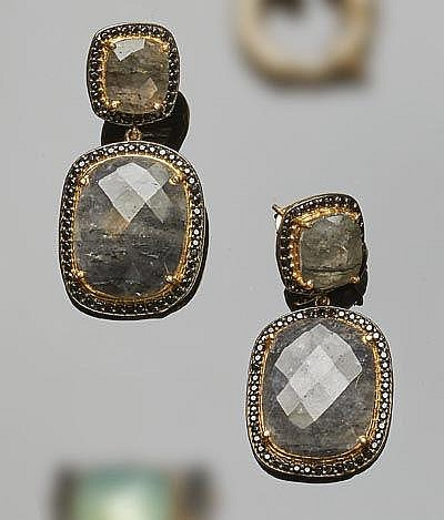 A PAIR OF GILT SILVER, ZIRCON AND QUARTZ EARRINGS