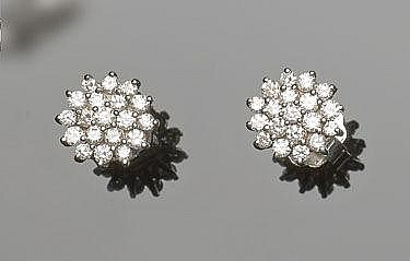 A PAIR OF GOLD AND DIAMOND EARRINGS, BY DANIELI