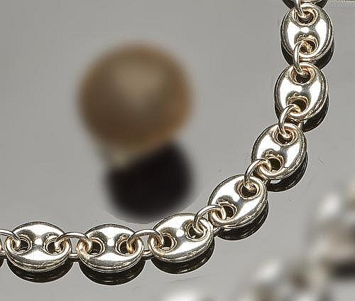 A STERLING SILVER CHAIN