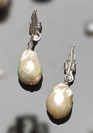 A PAIR OF STERLING SILVER AND PEARL EARRINGS