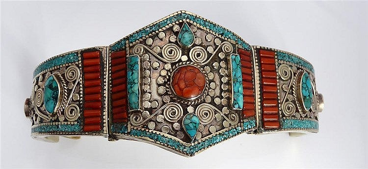 A STERLING SILVER, CORAL AND TURQUOISE BRACELET