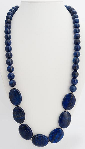 A SILVER AND LAPIS LAZULI NECKLACE