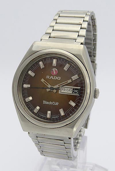 A VINTAGE WRISTWATCH, BY RADO