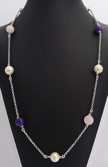 A STERLING SILVER, AMETHYST AND QUARTZ NECKLACE