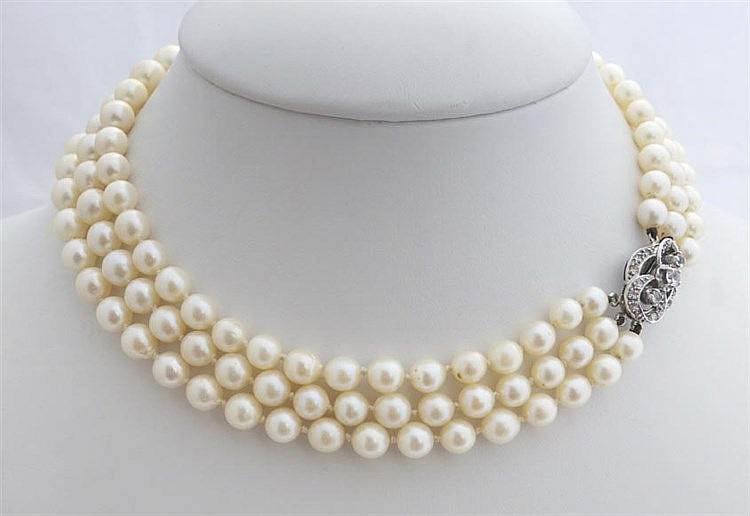 A VINTAGE GOLD, PEARL AND SAPPHIRE NECKLACE