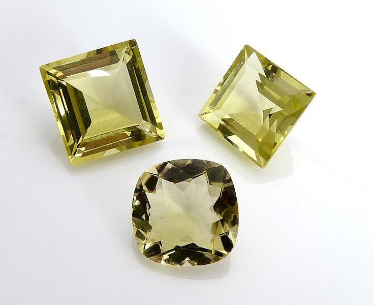 A SET OF THREE CITRINE QUARTZES