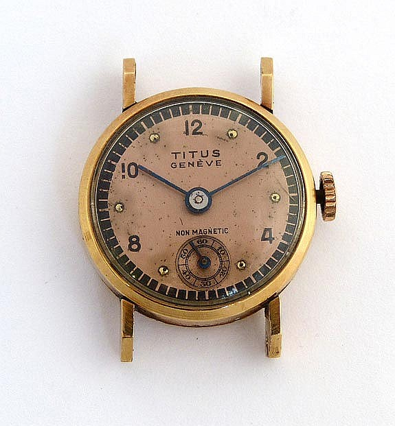 A VINTAGE LADY´S WATCH, BY TITUS
