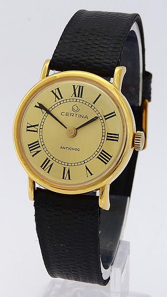 A VINTAGE WRISTWATCH, BY CERTINA