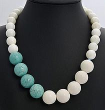 A SILVER, AGATE AND TURQUOISE NECKLACE