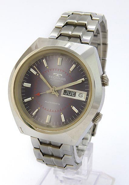 A VINTAGE WRISTWATCH, BY TECHNO