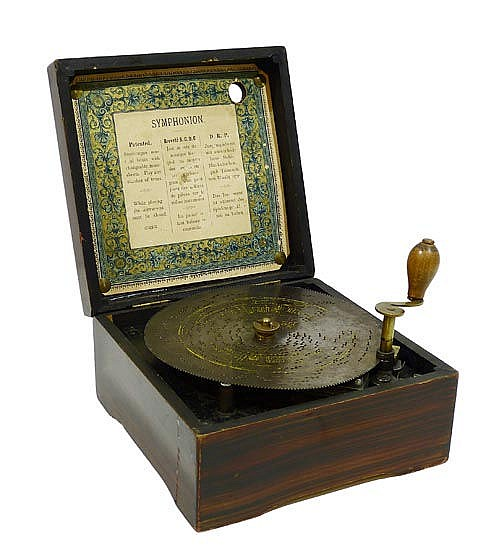 AN ANTIQUE GERMAN MUSIC BOX