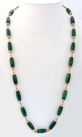 A VINTAGE GOLD AND MALACHITE NECKLACE