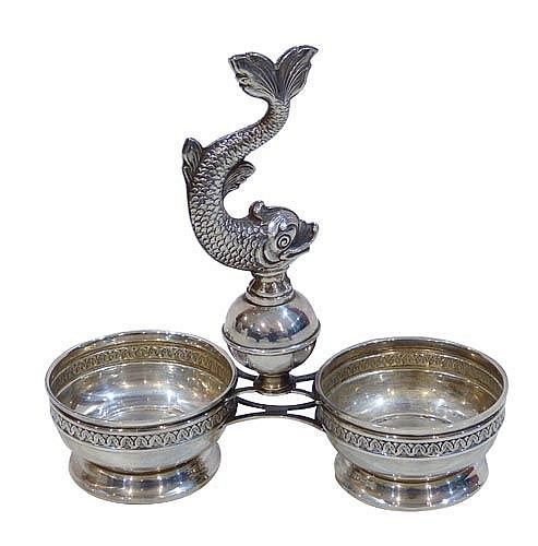 A VINTAGE STERLING SILVER DOUBLE SALT CELLAR