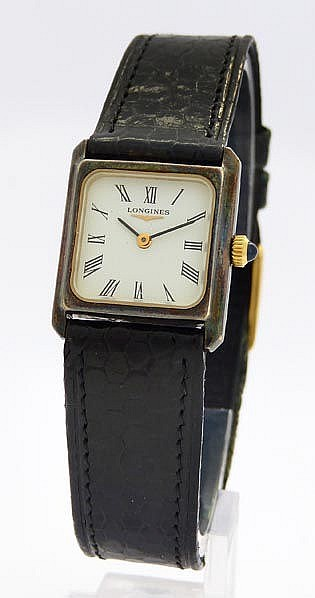A VINTAGE LADY´S WRISTWATCH, BY LONGINES