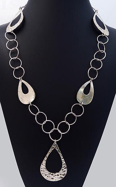 A STERLING SILVER DROP NECKLACE