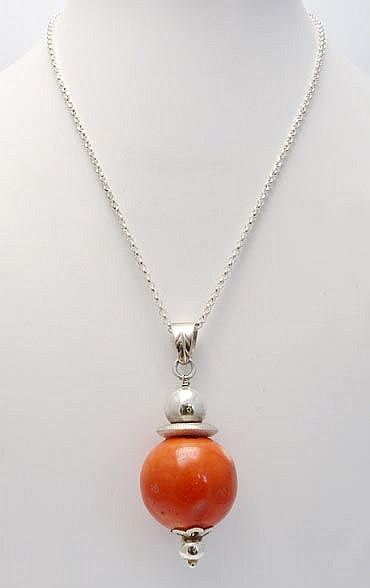 A SILVER AND CORAL PENDANT NECKLACE