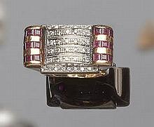 A VINTAGE GOLD, RUBY AND DIAMOND RING