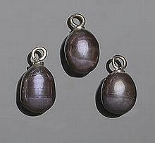A SET OF THREE GOLD AND PEARL PENDANTS