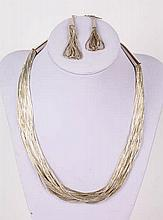 A STERLING SILVER JEWELRY SET