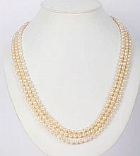 A PEARL, SAPPHIRE AND GOLD NECKLACE