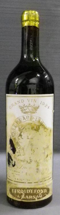 1 Bouteille GRUAUD LAROSE Niveau mi épaule. Level mid Shoulder. 1924