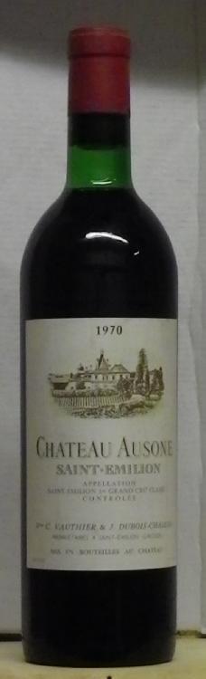 1 Bouteille AUSONE Etiquette fanée, Label faded.  1970