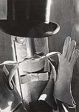 Roger SCHALL (1904-1995) Portrait d'homme à la moustache, vers 1970    Tirage argentique d'époque, tampon noir du photographe au dos   29,8 x 22,2 cm