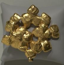 SAOYA pendentif hortensia en métal doré    hauteur 8,5 cm