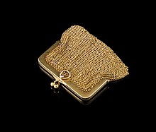 Bourse porte monnaie en or- Longueur : 6,5cm -  Poids 51,7g  Gold purse - Length: 2,5in.