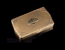 Boite rectangulaire en or 585 guilloché - porte l'inscription Janine - Dim : 7,5x4,5cm - Poids : 77,8g  Rectangular 14k gold box engraved - Dim : 3x1,8in.