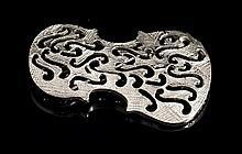 ARMAN Edition Broche violon en métal argenté -  Circa 1990 -  Hauteur : 5cm