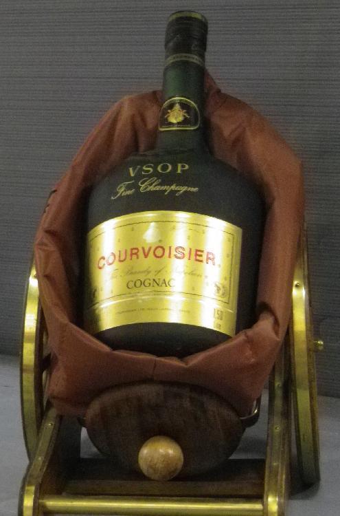 1 BOUTEILLE ARMAGNAC - Courvoisier Presentoir