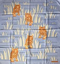 HERMES Paris - Carré en soie bleu à décor de tigres (taches, petits fils tirés/stains, pulls)