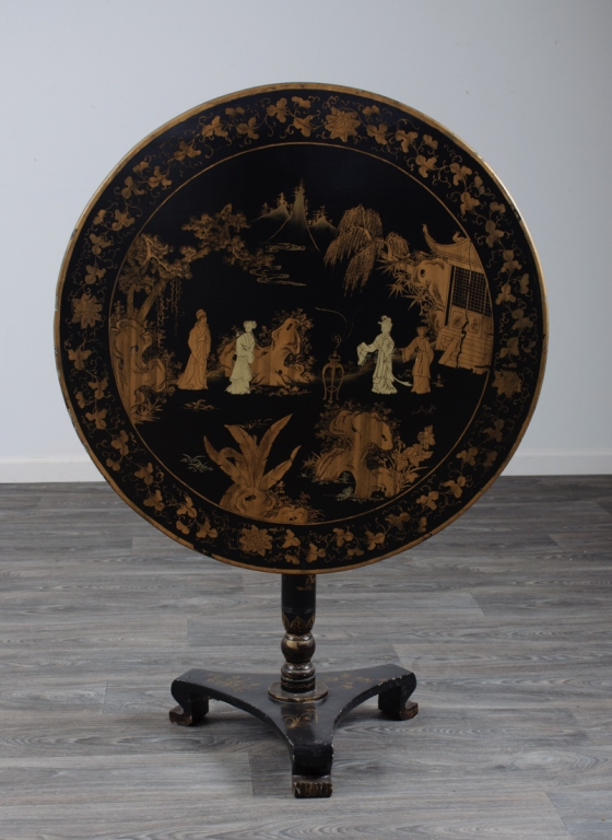 Chinese Export Lacquered Tilt Top Table
