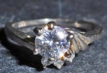 STERLING SILVER WHITE TOPAZ RING - SIZE 8