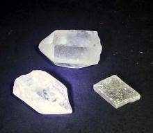 LOT OF 3 CRYSTALS - 2 ARE POINTS - 1.25