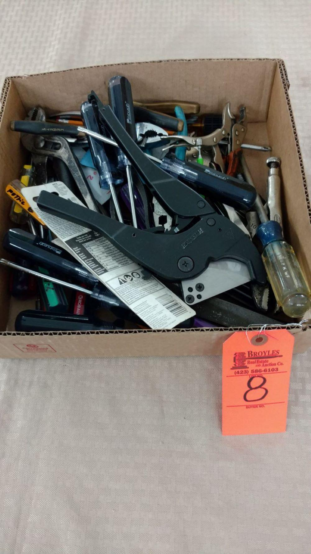 Box lot pliers and screwdrivers