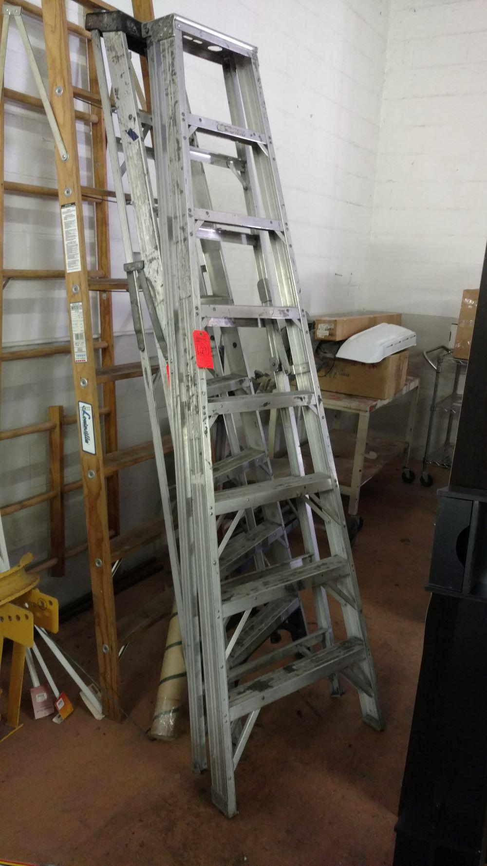 Alumimum step ladder