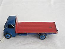 A Dinky Supertoy Guy Lorry No 512