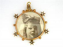 An Australian 9ct Yellow Gold Photo Locket