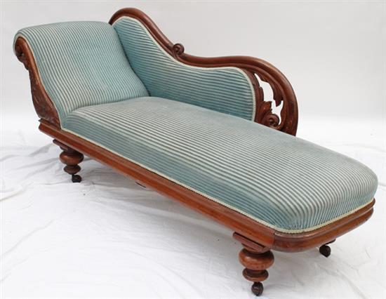 A colonial single ended cedar chaise lounge for Cedar chaise lounge