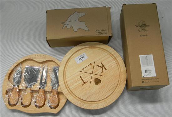 A Karl Zhan timber bull, Willow Tree figure & KT cheese board knife set