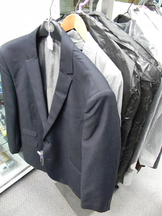 Five assorted gentlemans suits & coats, assorted sizes
