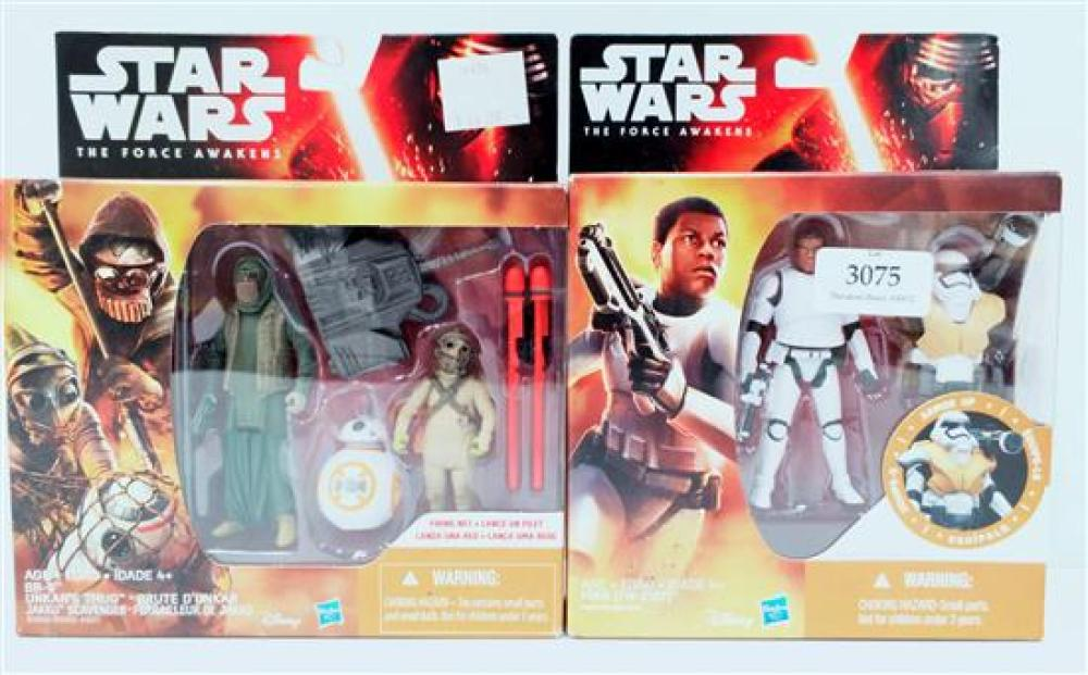Two figurines marked Star Wards incl. Finn & BB-8